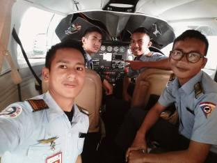 Taruna SMK TTN di dalam Helikopter